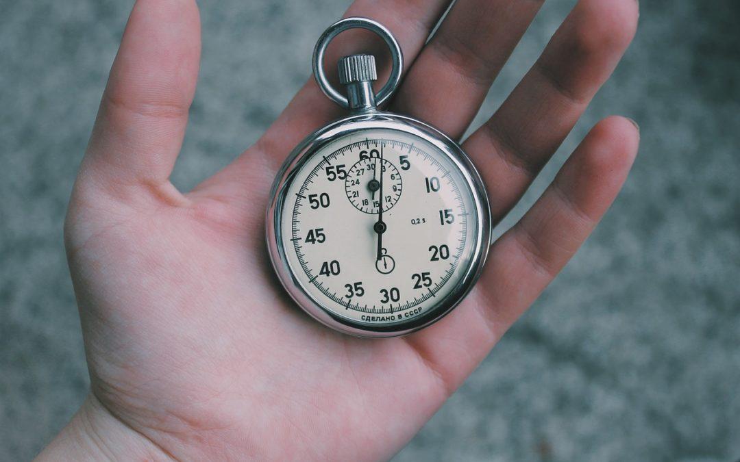 18h18 signification : Explication de l'heure miroir et sa signification